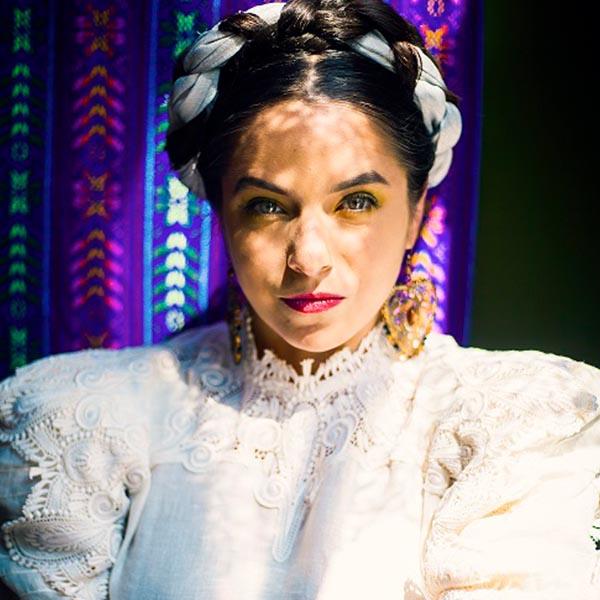 Diana Davila - Mi Tocaya