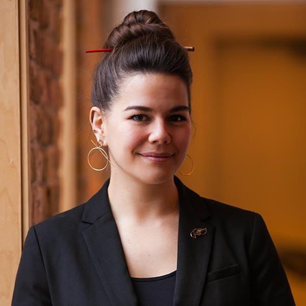 Julia Momose - Kumiko